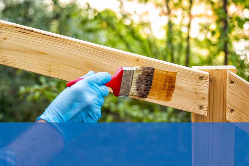 protezione superfici legno lucide e opache